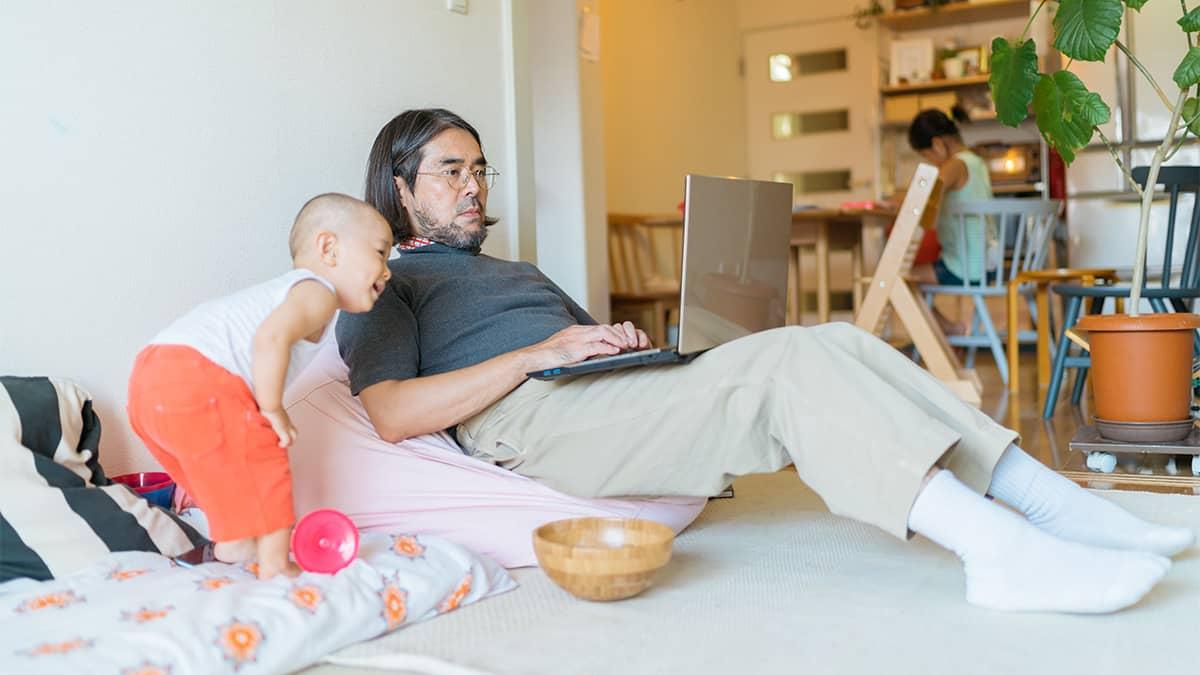 Qué pueden hacer los papás que trabajan cuando un trabajo de alta presión pide demasiado